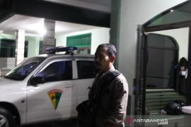 Jurnalis Dumai korban pengeroyokan oknum anggota TNI AD Page 4 Small