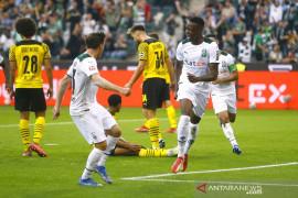 Gladbach petik tiga poin setelah atasi sepuluh pemain Dortmund