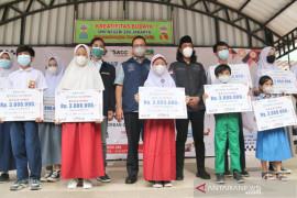Pemkot Jakbar berikan bantuan kepada 675 anak yatim korban COVID-19