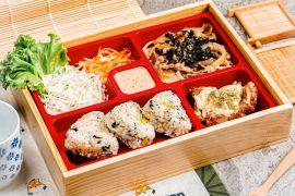 San Gyu hadirkan menu bento isi nasi kepal Jepang