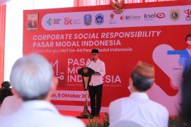 OJK injected 3,000 doses of vaccine for the hut community in Lamongan