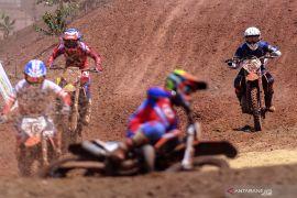 Papua raih emas balap motor cross 125 cc beregu