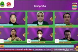 "Tokopedia x Dekranas Luncurkan ""Festival Fashion Lokal Jabar"""