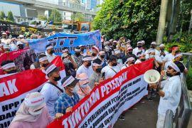 Aksi damai, peternak minta pemerintah serap telur seribu ton per hari