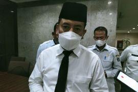 Pemkot Jakbar ingatkan warga taat prokes antisipasi lonjakan kasus