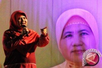 Putri kedua Mamah Dedeh bantah kabar ibunya meninggal dunia