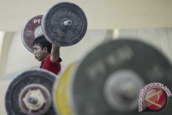 Usia 10 tahun bisa angkat barbel, Lifter Olimpiade Kenya latih putri dan cucunya