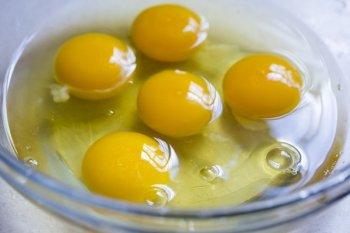 Telur dan daging ayam menu pilihan tepat saat kerja dari rumah