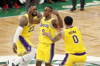 Point guard LA  Lakers Rajon Rondo bakal absen 6-8 pekan akibat jempol tangannya patah