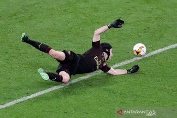 Liga Champions - Chelsea daftarkan Petr Cech dalam skuat sebagai kiper pelapis