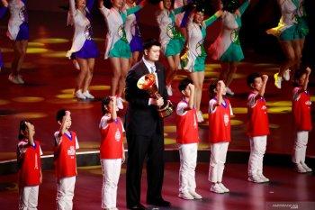 Yao Ming mendonorkan darah, Joe Young kembali berulah