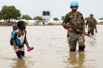 Penjaga perdamaian PBB tewas diserang oleh kelompok bersenjata
