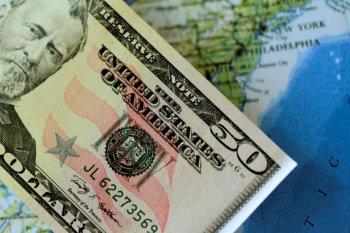 Dolar AS jatuh karena selera resiko meningkat