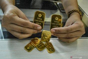 Harga emas  Antam terus turun menjadi Rp908.000/gram