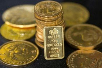 """Emas """"rebound"""", saat dolar AS terhenti dan kasus virus meningkat"""