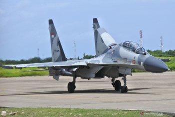 Kedatangan Pesawat Sukhoi di Kupang