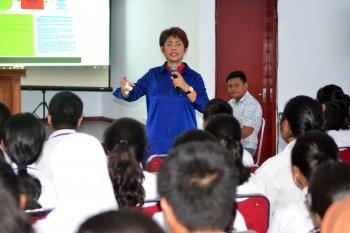 Mercy Barends ajak OKP advokasi masyarakat tangani  COVID-19 di Maluku