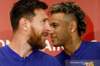 Neymar ingin main bareng Messi musim depan