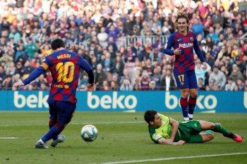 Lionel Messi dan skuat Barcelona sepakat potong gaji 70 persen
