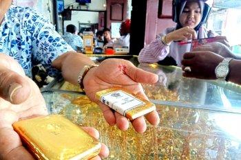 Harga emas berjangka jatuh 30,2 dolar AS akibat adanya aksi ambil untung