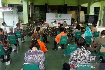 Honor tenaga medis yang menangani COVID-19 di Karawang akan ditambah
