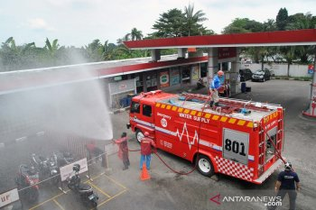 22 SPBU di Bogor disemprot cairan disinfektan