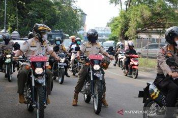 Satpol PP Tangerang patroli imbau warga tak melakukan  aktivitas di luar rumah