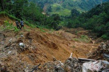BPBD Lebak waspadai longsor dan pergerakan tanah  perbukitan dan pegunungan