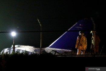 Pesawat evakuasi medis meledak, delapan orang tewas