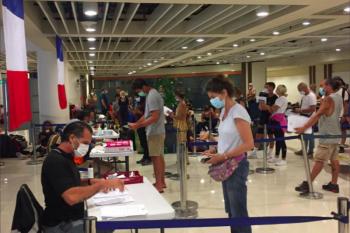 Prancis pulangkan warganya yang berwisata di Indonesia