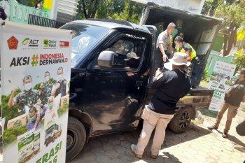 ACT bagikan 14 ton beras ke warga kurang mampu di Bekasi