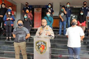 Polisi amankan 20 orang pelanggar pembatasan sosial berskala  besar