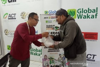 ACT Bengkulu salurkan makanan gratis untuk para ojol Bengkulu