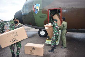 Pesawat Hercules TNI-AU pembawa bantuan APD mendarat di Jambi