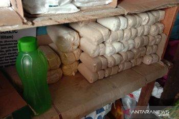 Harga gula pasir merek KBA di Ambon bertahan