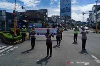 Polisi di Rejang Lebong peragakan cara mencuci tangan yang benar