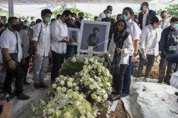 Pemakaman Glenn Fredly