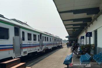 Jadwal operasional KA lokal disesuaikan terkait penerapan PSBB di Jakarta
