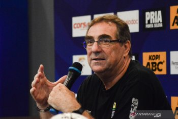 Juru taktik  Persib Rene Albert berharap PSSI hasilkan keputusan terbaik