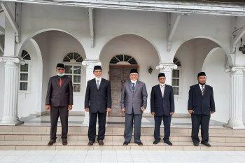 Rektor Unja beri target wakil rektor akreditasi internasional