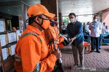 Kemenparekraf bagikan 10.000 masker kain kepada PPSU DKI Jakarta