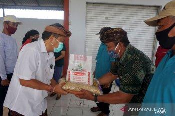 Pemkot Denpasar bantu pupuk ke petani ditengah COVID-19