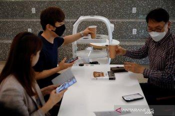 Korsel gunakan robot barista melayani pembeli