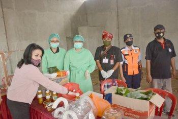 K3S berikan donasi kepada petugas pos pintu masuk Denpasar