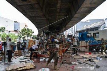 Penertiban lapak pedagang Pasar Pagi Asemka