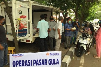Pastikan harga gula sesuai HET, Bulog Aceh gelar operasi pasar sepanjang tahun 2020