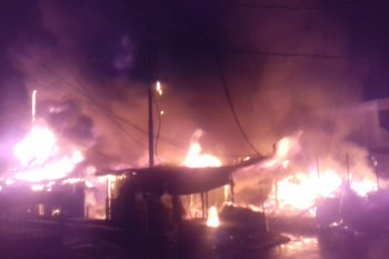 Pasar Pagi Tanah Grogot Hangus Terbakar