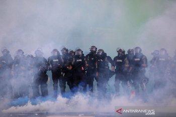 Unjuk rasa di AS ricuh, dua warga sipil tewas, toko dijarah massa