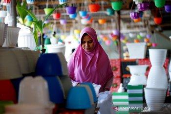 Di Kota Gorontalo penjualan pot bunga naik selama pandemi COVID-19