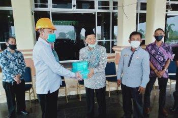 Pemkab Paser terima bantuan 5.000 masker dan 1 ton disinfektan  dari PT.Tihani